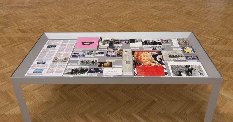 Mimmo Rotella Manifesto. Exhibition view at Galleria Nazionale d'arte Moderna e Contemporanea, Roma 2018. Photo Giorgio Benni. Bacheca con materiali di documentazione