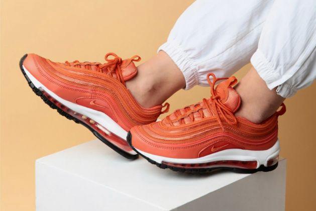 Nike Corallo