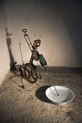 RE.USE. Giovanni Albanese, Uno che fa buchi nell'acqua, 2018