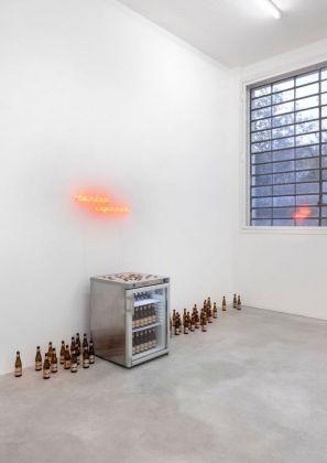 Rayyan Tabet, Still life with neon, fridge and beer. Installation view at Galleria Franco Noero, Torino 2018. Photo Sebastiano Pellion di Persano