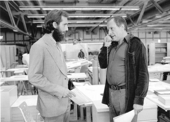 Richard Rogers e Renzo Piano nell'ufficio del cantiere del Centre Pompidou nel 1976. Photo credit © Jean Gaumy Magnum Photos. Courtesy RSHP e Fondazione Renzo Piano