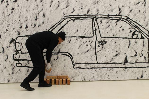 Robin Rhode, Car on Bricks (2008), veduta dell'allestimento al MAXXI, courtesy Fondazione MAXXI