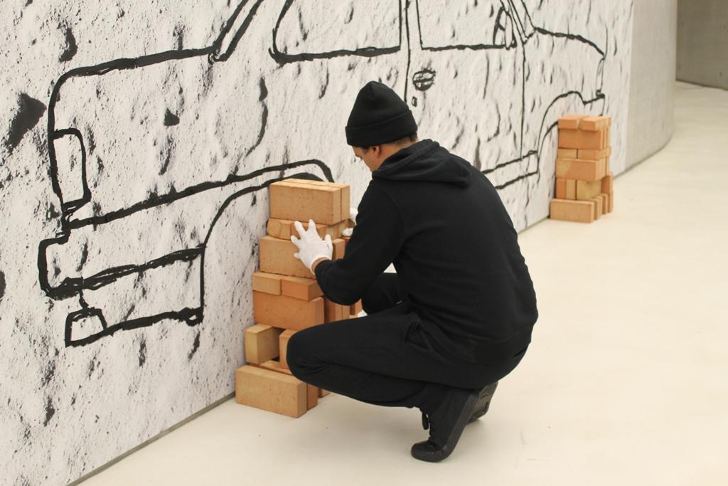 Robin Rhode, Car on Bricks (2010), veduta dell'allestimento al MAXXI, courtesy Fondazione MAXXI