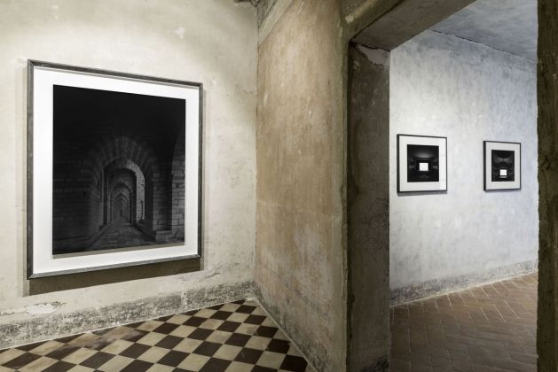The First Encounter Italy through eyes of Hiroshi Sugimoto and Tenshō Embassy. Exhibition view at Galleria Continua, San Gimignano 2018. Courtesy Galleria Continua. Photo Ela Bialkowska, OKNO Studio