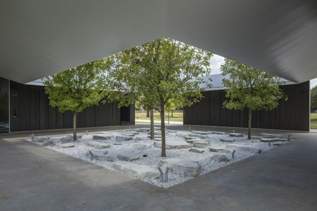 MENIL DRAWING INSTITUTE Louisa Stude Sarofim Building, West Courtyard. Ph by Richard Barnes. All Images Courtesy the Menil Collection, Houston
