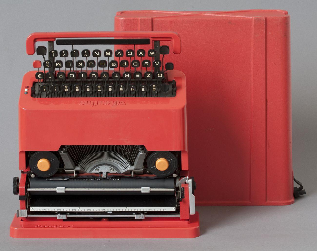 Carrozzeria e custodia, macchina da scrivere portatile Valentine, plastica rossa e metallo