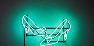 Cristiano Tassinari, Shoes, Neon, 2018