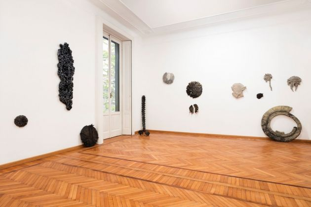 Federico Tosi. Goodbye bye bye. Installation view at Galleria Monica de Cardenas, Milano 2019. Courtesy Monica De Cardenas, Milano. Photo Andrea Rossetti