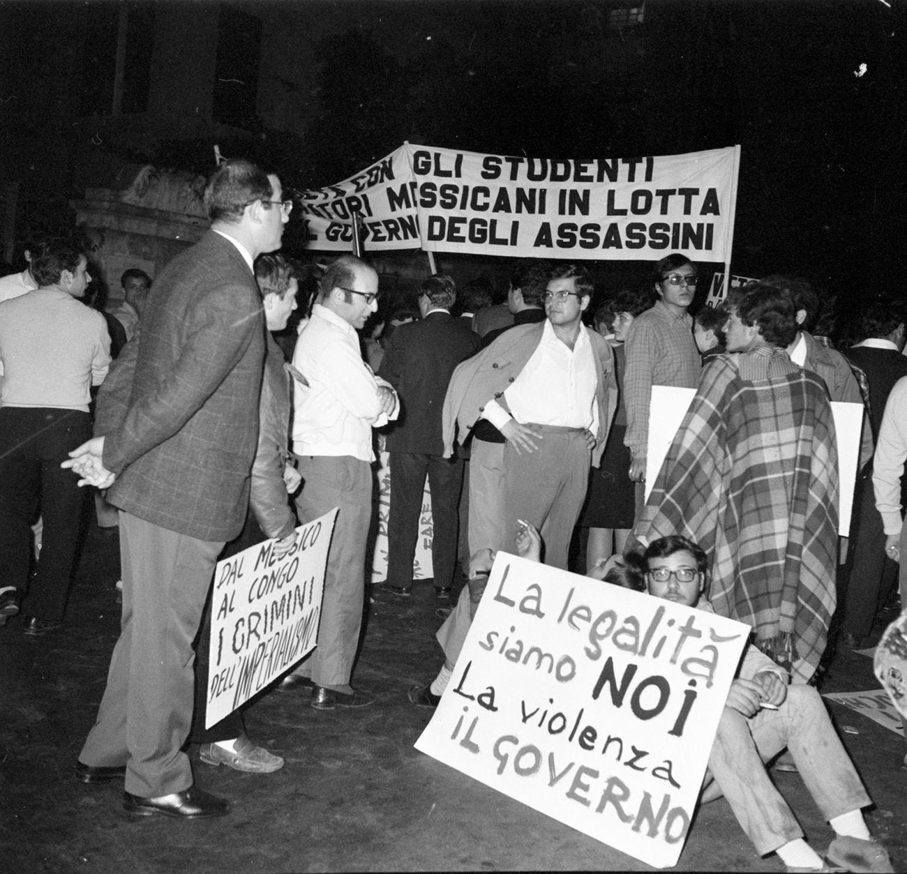 Publifoto Roma, Roma, 11 ottobre 1968, Dimostrazione comunista per il Messico (e Congo)