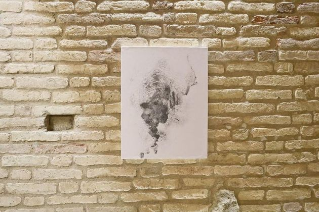 Riccardo Angelini. Pure Graphite. Installation view at TOMAV – Torre di Moresco Centro Arti Visive, 2018. Photo credits Enrico Fabi