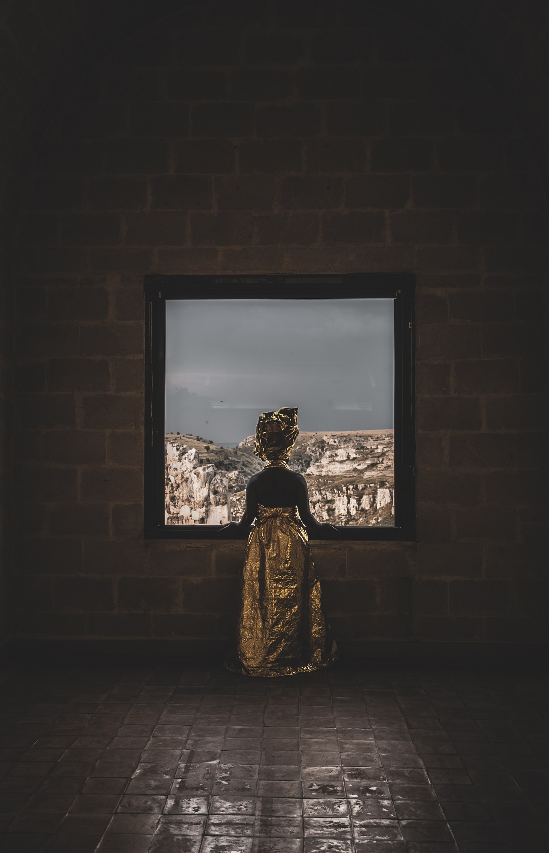 Silent Academy, collezione Emergency Blanket, Matera 2019. Ph. Pietro Micucci