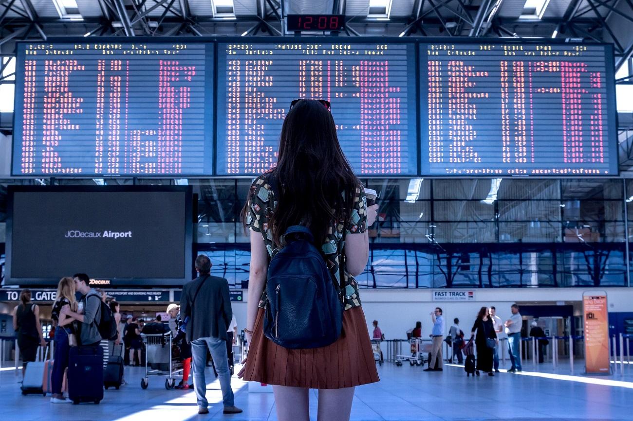 Turista in aeroporto. Ph. by Pixabay