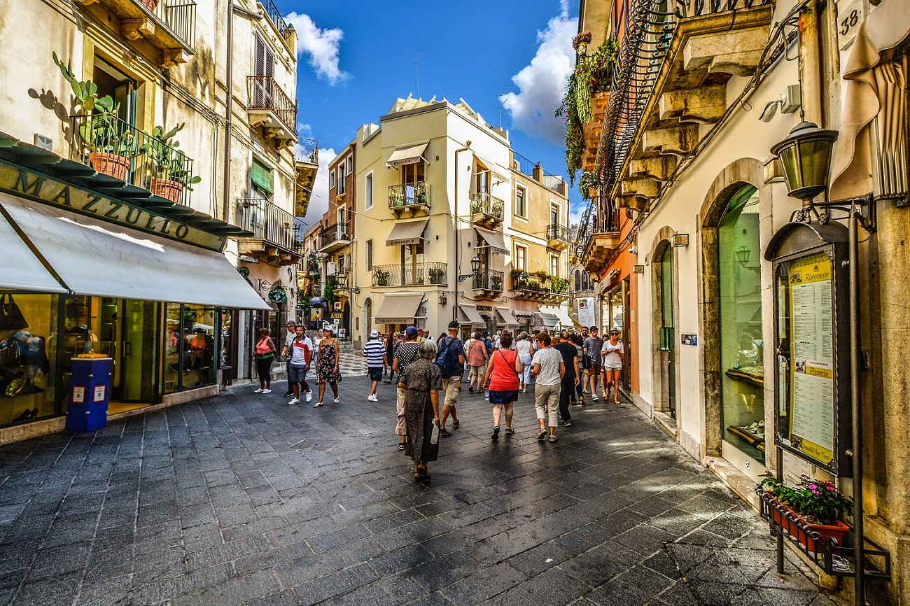 Turisti a Taormina. Ph. by Pixabay