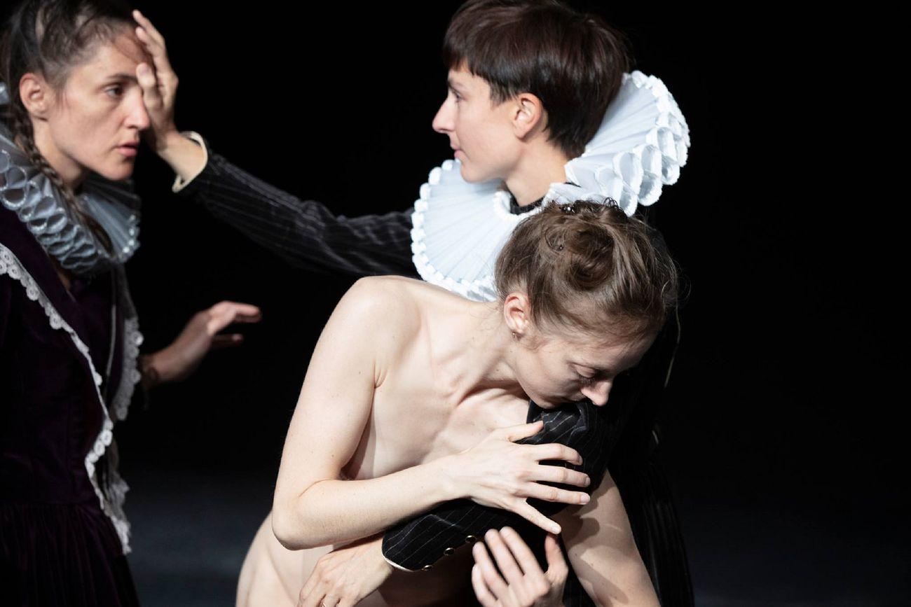 Yasmine Hugonnet, Chronological Trio. Photo © Anne Laure Lechat