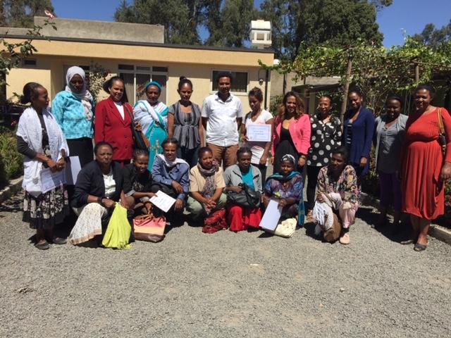 Immagini dalla scuola che la ONG sta gestendo, insegnando agli assistenti in tutti gli orfanotrofi ad Addis Abeba. Courtesy 121Ethiopia