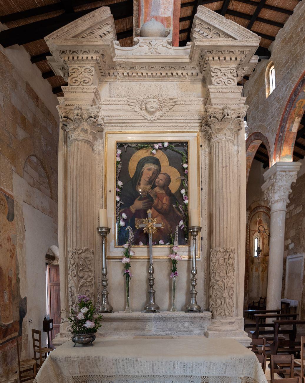 Altare della Vergine, Abbazia di Santa Maria di Cerrate. Photo Antonio Leo, 2018 © FAI - Fondo Ambiente Italiano