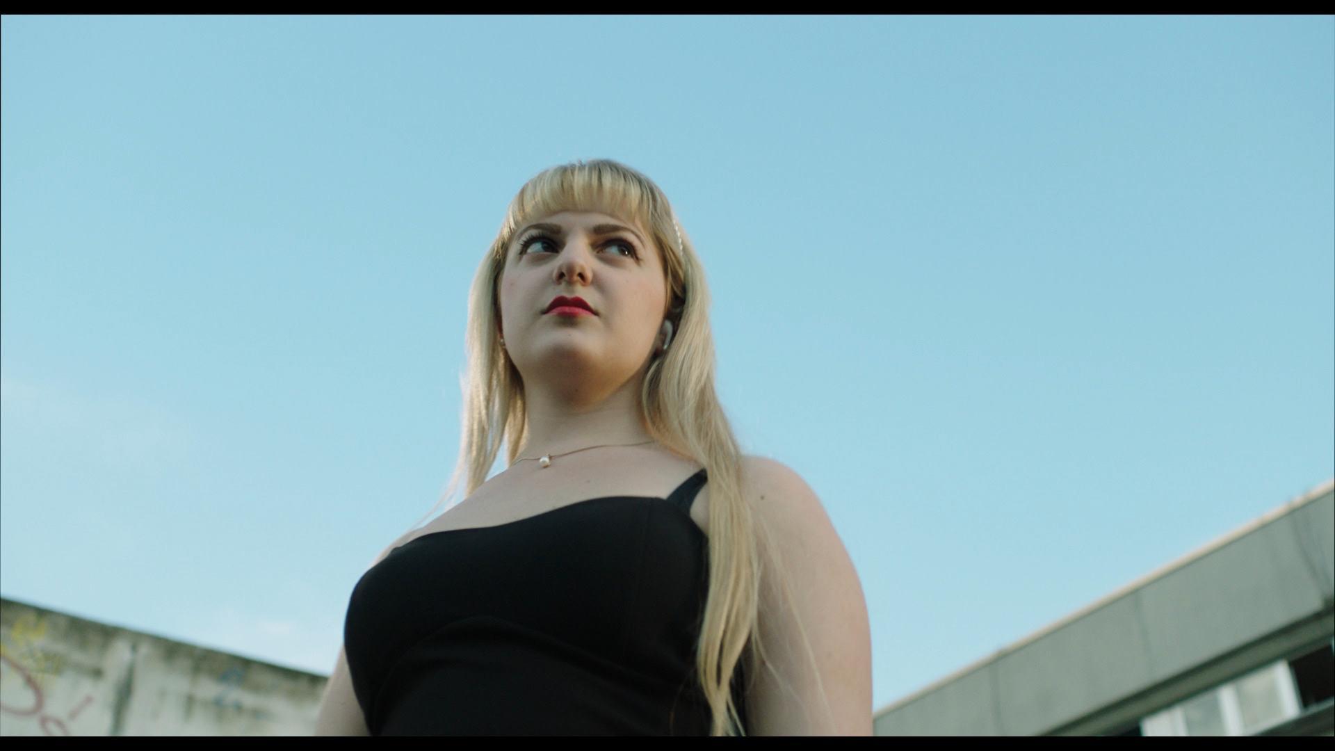 Giulia, Albe. A Life Beyond Earth: il documentario di Elisa Fuksas e Tommaso Fagioli