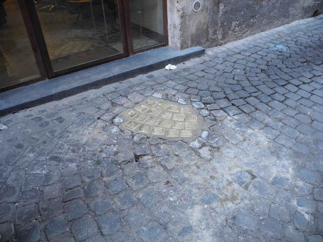 Gunter Demnig, Pietre d'inciampo, Roma. Photo Gabriella De Marco