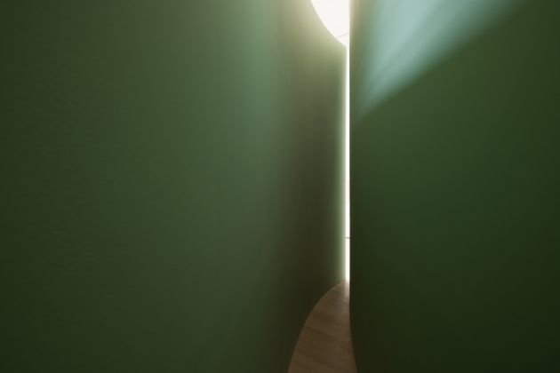 "Bruce Nauman (American, born 1941). Kassel Corridor: Elliptical Space. 1972. Painted wallboard, wood, and door hardware. Exhibition copy. Outer wall: 144 × 564"" (365.8 × 1432.6 cm), Inner wall: 144 × 558"" (365.8 × 1417.3 cm), Width at center: 27"" (68.6 cm), Width at ends: 4"" (10.2 cm). Solomon R. Guggenheim Museum, New York. Panza Collection. Installation view, Bruce Nauman: Disappearing Acts at The Museum of Modern Art, New York (October 21, 2018–February 25, 2019, at MoMA and MoMA PS1). © 2018 Bruce Nauman/Artists Rights Society (ARS), New York. Digital image © 2018 The Museum of Modern Art, New York. Photo: Martin Seck"