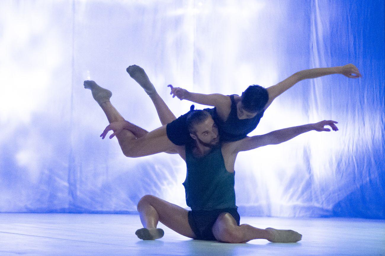 MM Contemporary Dance Company, Vivaldi Umane Passioni. Coreografia Michele Merola. Photo Tiziano Ghidorsi