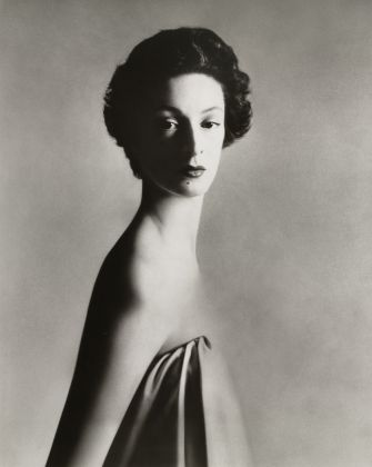 Richard Avedon Marella Agnelli, New York December 1953 © The Richard Avedon Foundation