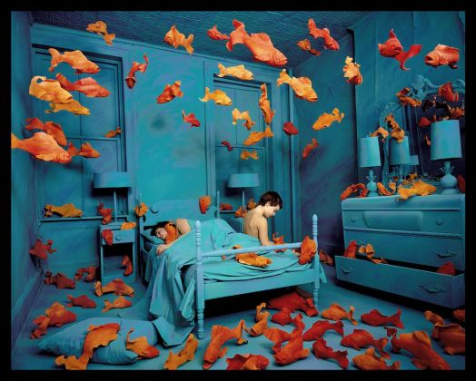 Sandy Skoglund, Revenge of the Goldfish, 1981. Courtesy: Paci contemporary gallery (Brescia – Porto Cervo)