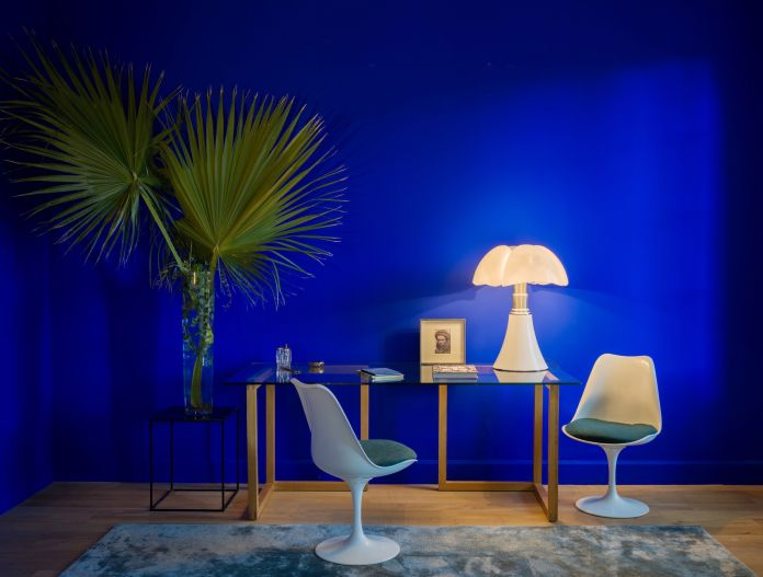 Yves Klein® paint. Courtesy of Ressource
