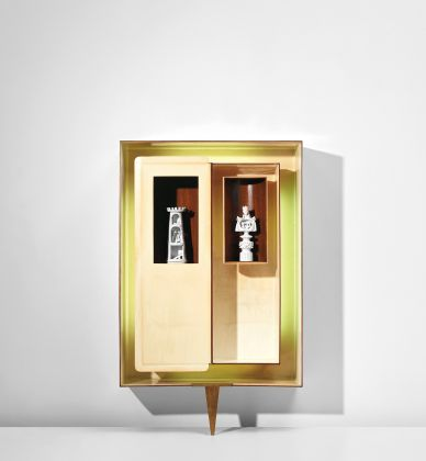 GIO PONTI Illuminated 'Positivo-negativo' wall-mounted cabinet with tower and king statuettes circa 1951