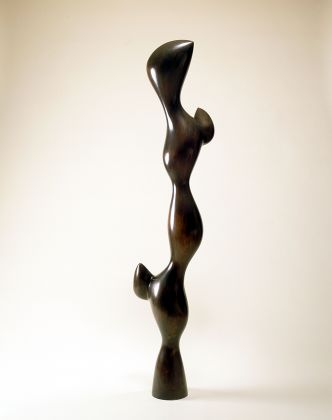 Jean (Hans) Arp Torso with Buds, 1961 Bronze 74 x 12 5/8 x 11 7/8 in. (188 x 32 x 30.5 cm) Raymond and Patsy Nasher Collection Nasher Sculpture Center, Dallas © 2019 Artists Rights Society (ARS), New York/VG Bild-Kunst, Bonn / © Jean Arp, by SIAE 2019