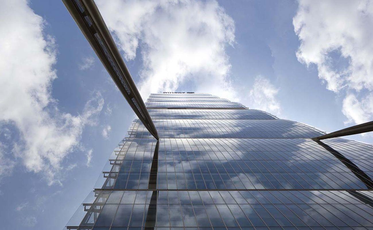 Arata Isozaki & Andrea Maffei, Torre Allianz, Milano. Photo Alessandra Chemollo