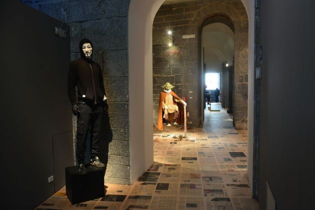 Claire Fontaine. La borsa e la vita. Exhibition view at Palazzo Ducale, Genova 2019. Photo Linda Kaiser