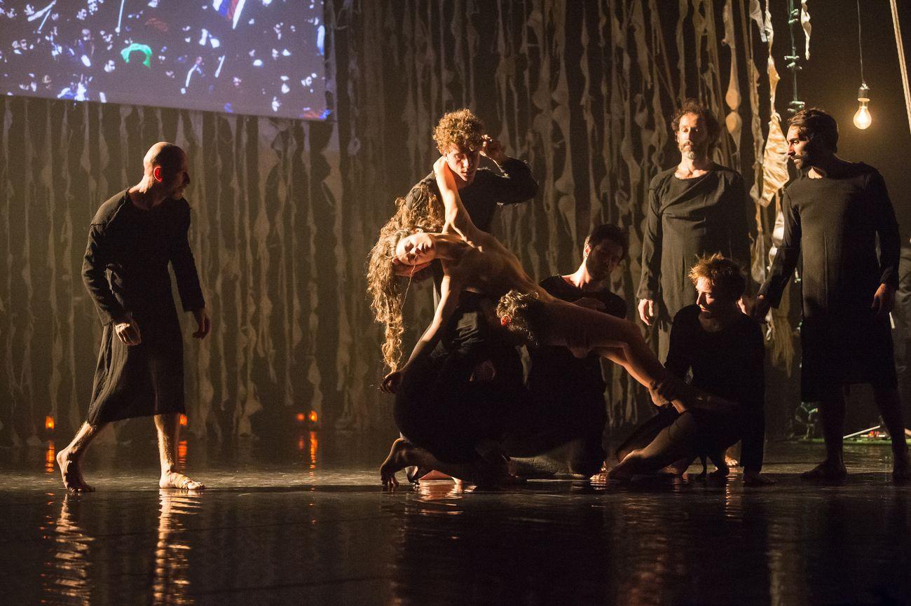 Compagnia Roberto Zappalà, 'A. Semu tutti devoti tutti? Photo Serena Nicoletti