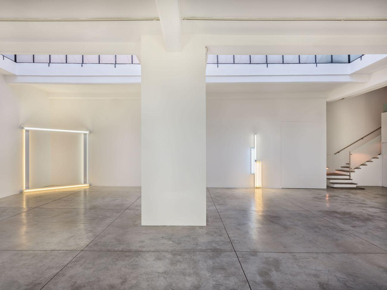 Dan Flavin. Installation view at Cardi Gallery, Milano 2019 © 2018 Estate of Dan Flavin _ Artists Rights Society (ARS), New York. Courtesy Cardi Gallery, Milano Londra. Photo credits Carlo Vannini