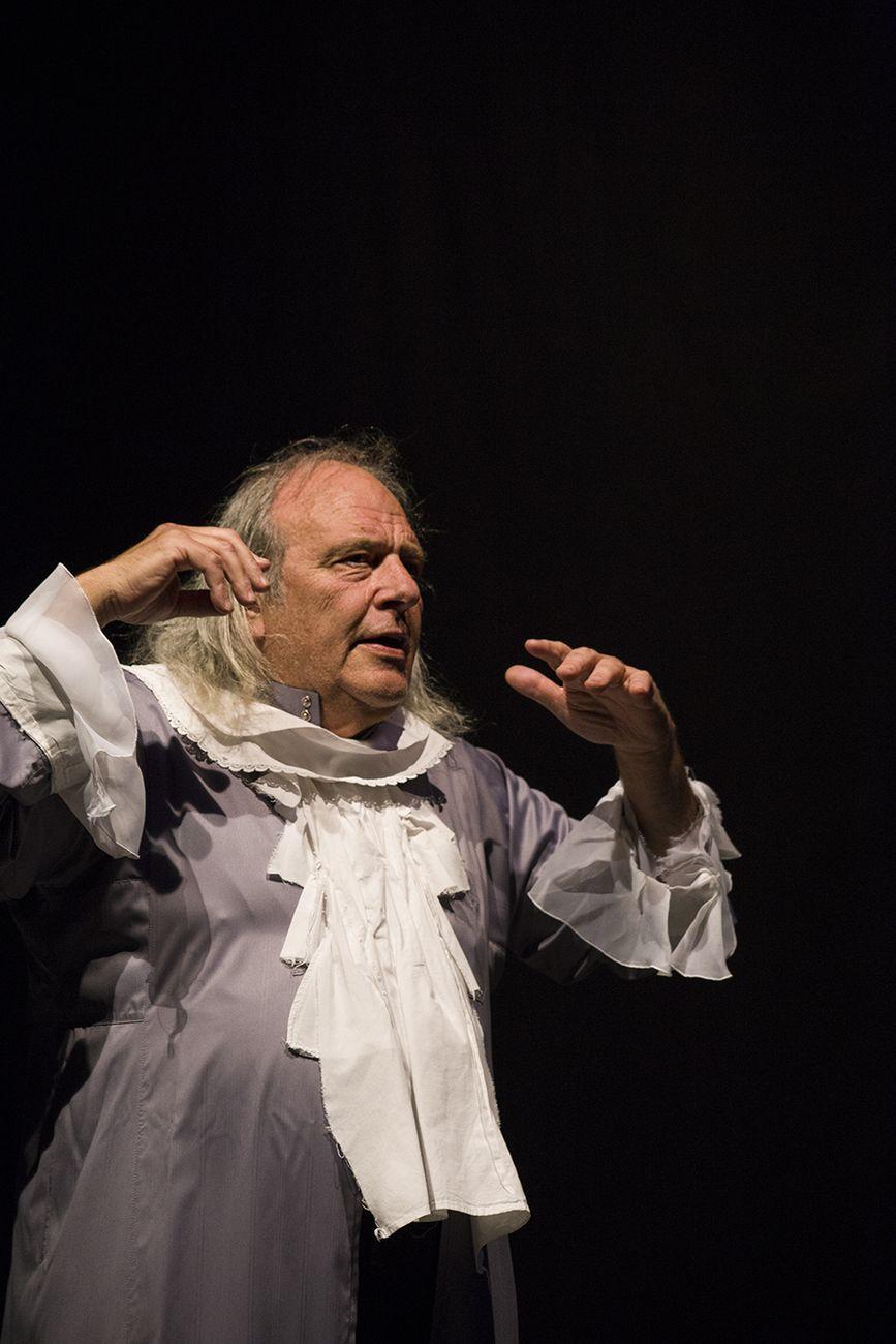 Horacio Czertok - Teatro Nucleo, Contra Gigantes. Photo Francesca Marra