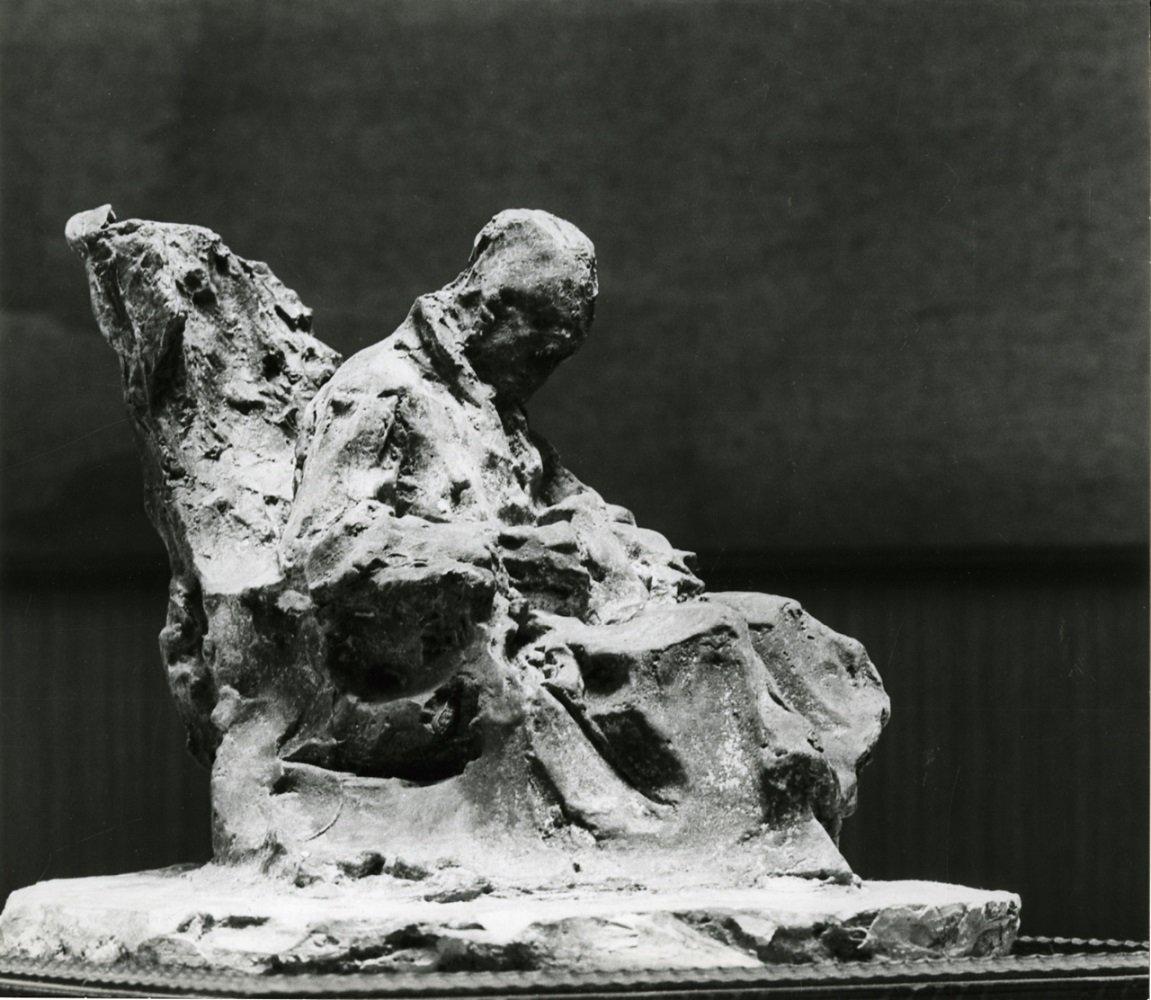 Medardo Rosso, Malato all'ospedale, 1889, gesso. Ph. Paolo_Monti, documentazione per il catalogo 'Medardo Rosso, 1858 19', Ed. Der Kunstverein, 1984