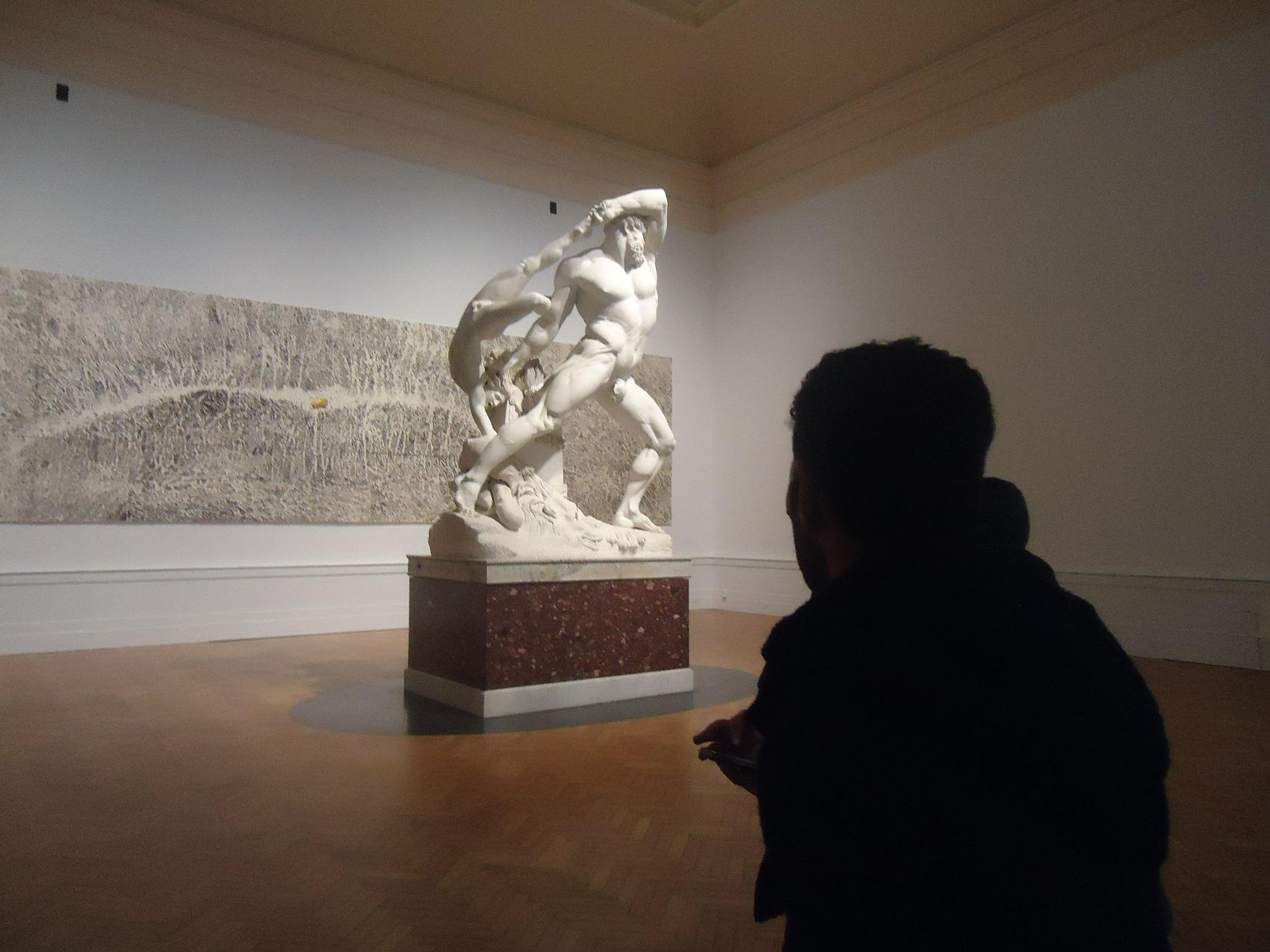 Sguardi, una delle fotografie esposte da Chiaroscuro, Roma, scattata alla Galleria Nazionale