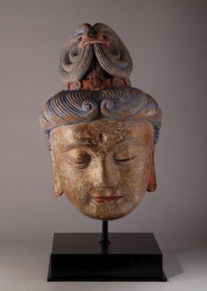 TEFAF Maastricht 2019. Testa di Guanyin, Cina, Dinastia Ming. Courtesy Vanderven Oriental Art