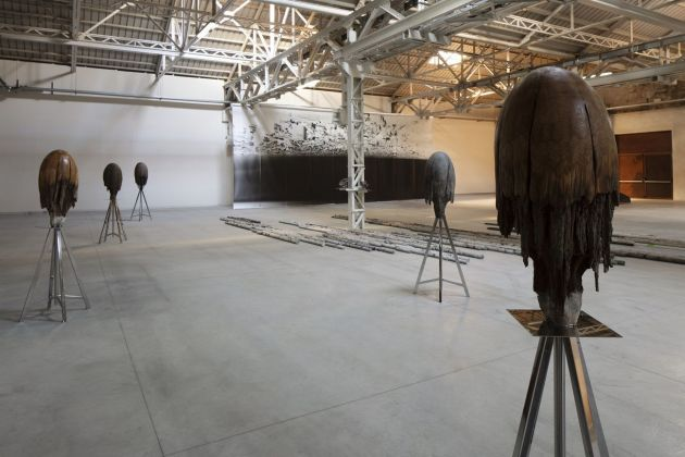 Giorgio Andreotta Calò, Medusa (B), 2014. Installation view at Pirelli HangarBicocca, Milano 2019. Courtesy of the artist and Pirelli HangarBicocca. Photo Agostino Osio