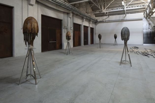 Giorgio Andreotta Calò, Meduse, 2014 18. Installation view at Pirelli HangarBicocca, Milano 2019. Courtesy of the artist and Pirelli HangarBicocca. Photo Agostino Osio