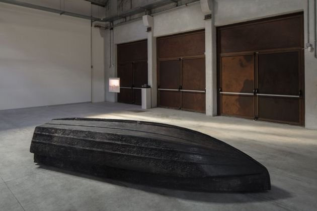 Giorgio Andreotta Calò, Volver, 2008. Installation view at Pirelli HangarBicocca, Milano 2019. Courtesy of the artist & ZERO… & Pirelli HangarBicocca. Photo Agostino Osio