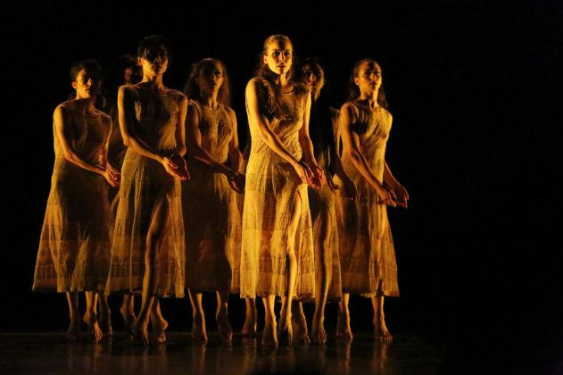 Martha Graham Dance Company in Maxine Doyle and Bobbi Jene Smith's Deo by Melissa Sherwood.