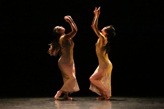 Anne O'Donnell and Xin Ying in Maxine Doyle and Bobbi Jene Smith's Deo by Melissa Sherwood.
