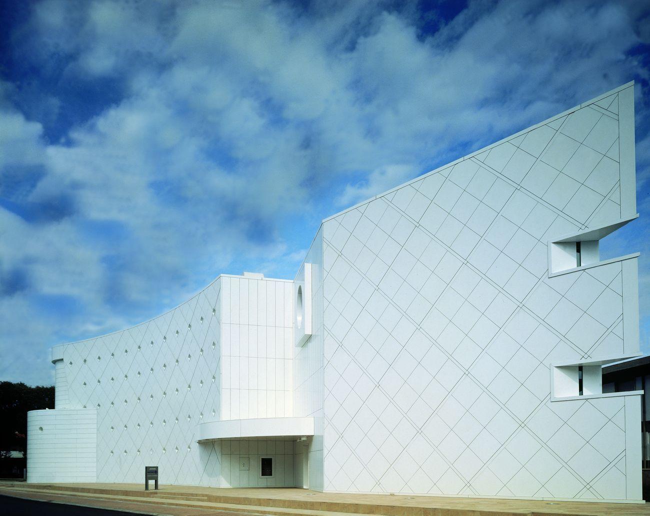 Massimo Mariani Architetto, BCC di Fornacette, Sede di rappresentanza, Fornacette (Pisa), 1995. Photo credits Alessandro Ciampi