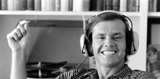 Jack Nicholson Listens To Music, ph. Arthur Schatz, ph. Getty Images