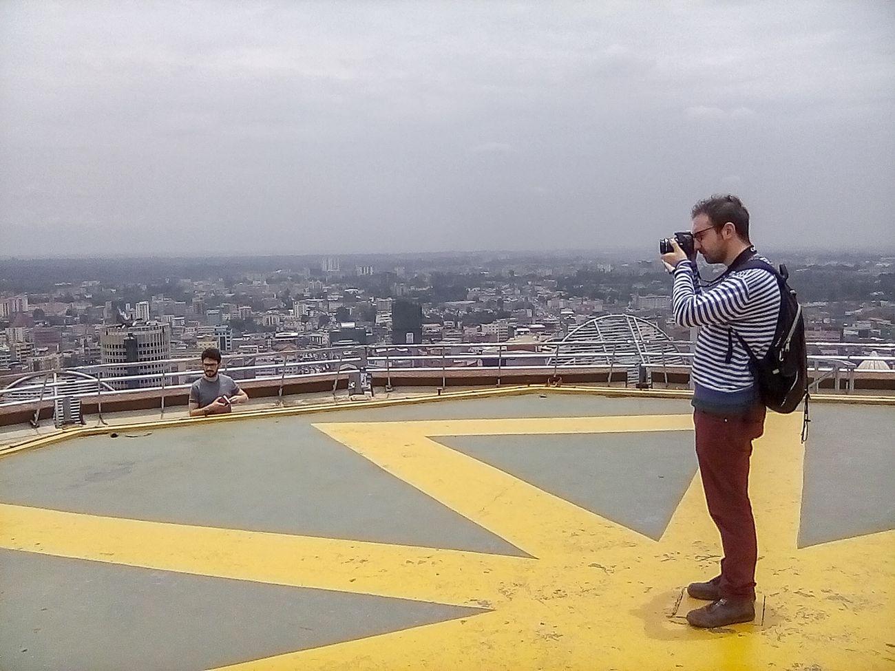 Uno scatto del viaggio di Danilo Deninotti, Giorgio Fontana a Lucio Ruvidotti a Nairobi
