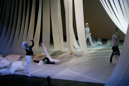 Immagini dagli spettacoli di Lucia Latour. Ph. Max Botticelli