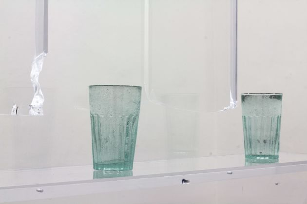 Lazar Lyutakov, Way of the sand, (detail), 2019, variable dimensions, handmade faceted glass tumblers, acrylic glass, metal bolts