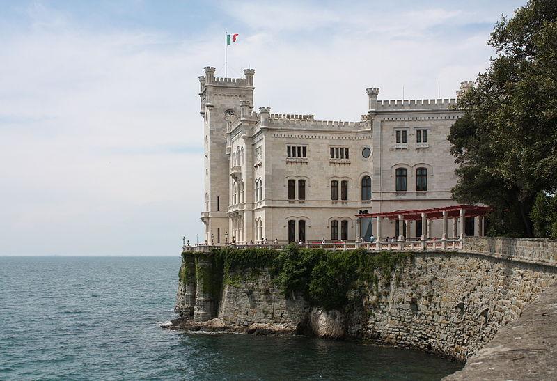 Castello di Miramare, ph. Adiel lo, fonte Wikimedia