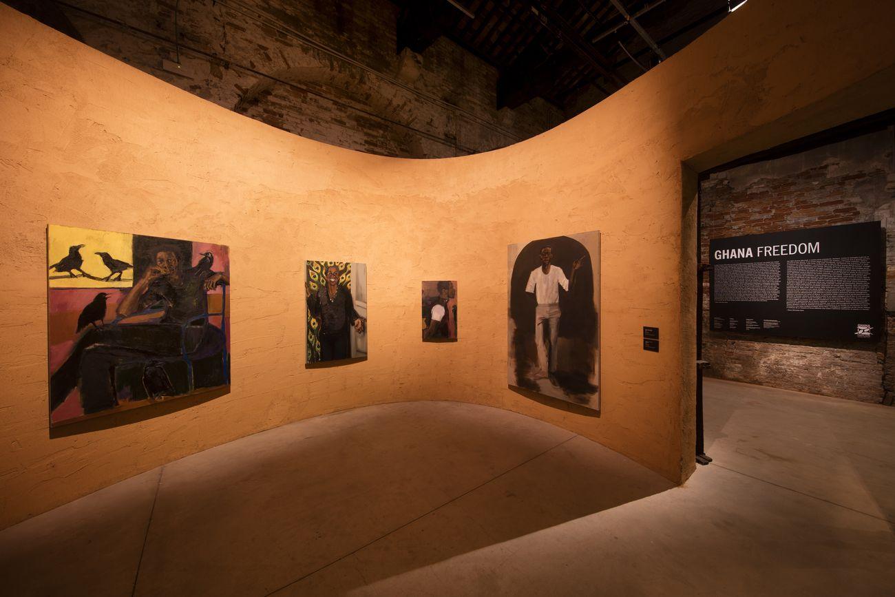 58. Biennale di Venezia. Padiglione Ghana. Lynette Yiadom-Boakye, Just Amongst Ourselves, 2019. Courtesy the artist; Corvi-Mora, London; and Jack Shainman Gallery, New York. Photo David Levene