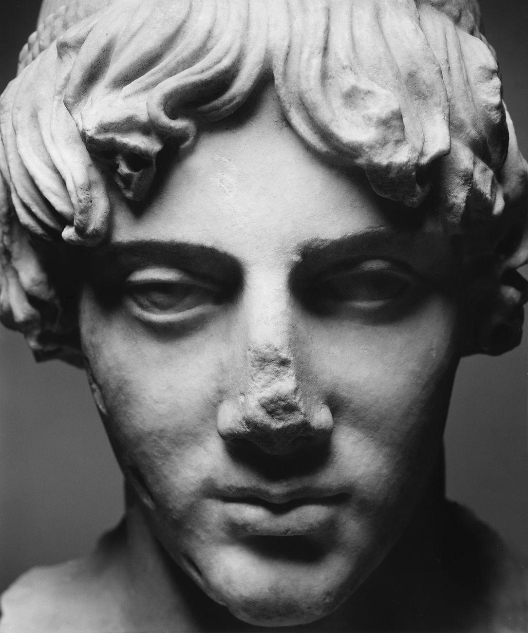 Apollo Omphalos. Photo © Luigi Spina